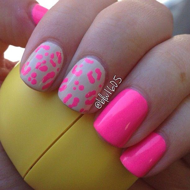 Uñas rosa neon