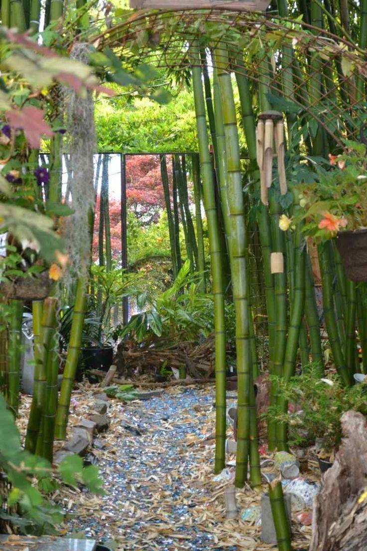 déco de jardin zen et miroir trompe l'oeil