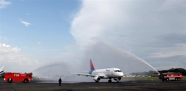 Peluncuran Pesawat Sukhoi Superjet 100