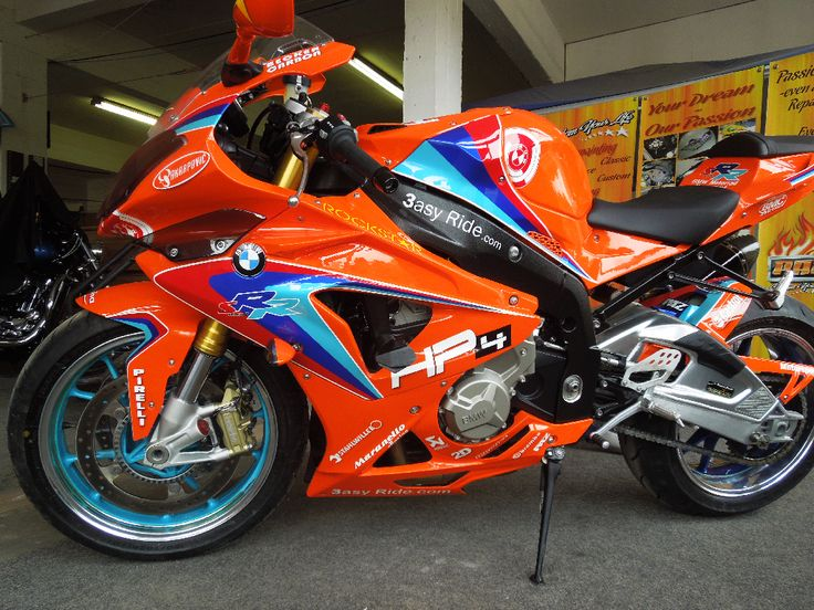 BMW SBK S1000RR painted by PAZ.