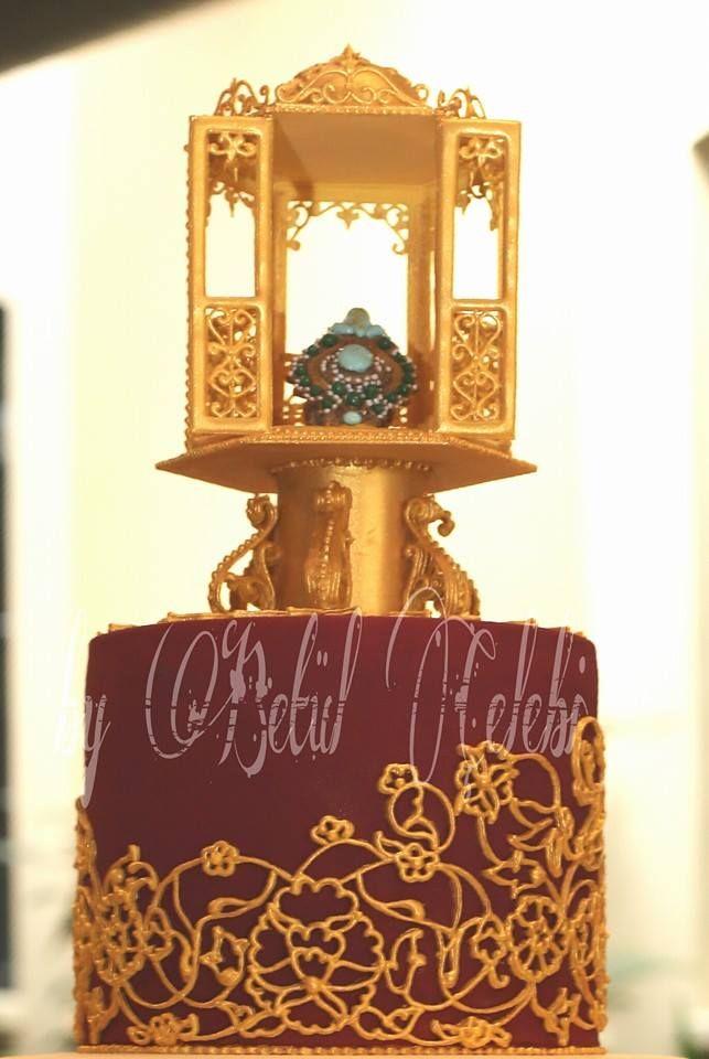 pastanın diğer bir bölümü üst bölümde kaşıkçı elması saklı... Yarışmanın teması Saraylı