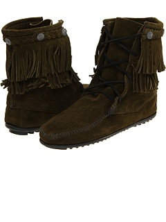 Minnetonka at Zappos. Free shipping, free returns, more happiness!