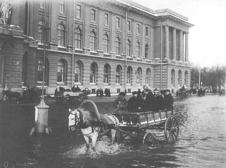Университетская набережная. Наводнение 1903 г.