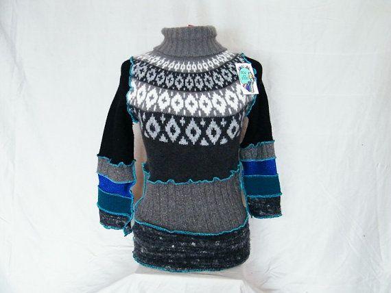 Chandail à capuchon upcycled Icey bleu Katwise par AmandaSewAndSooo, $110.00