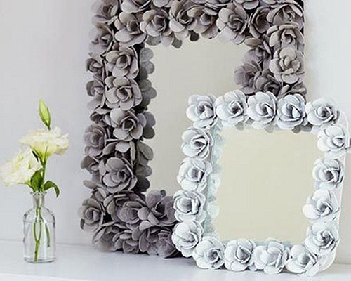 Decorative egg carton mirror...   Your guests will never guess that this chic mirror is made from egg cartons!