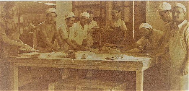 Santeos: Αρτοποιοί (Φουρουντζήδες) στον Πόντο.