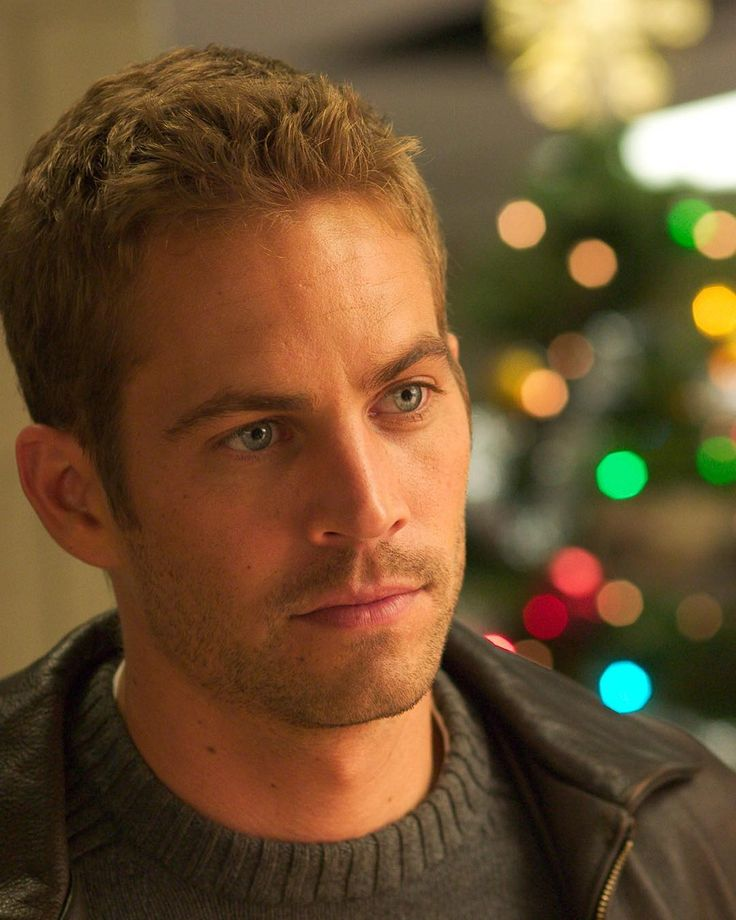 Paul Walker Fan Romania @paul12walker - Just seen 'Noel' movie gu...Yooying
