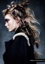 Hledáte inspiraci pro moderní účesy 2016? Podívejte se – tady je galerie top 100 nejlepších dámských účesů pro všechny délky i barvy vlasů!