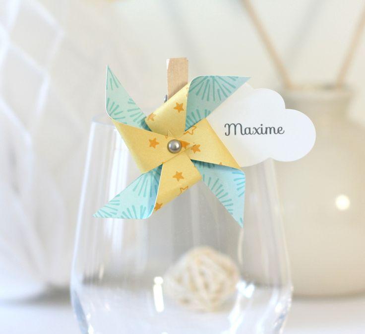 Marque-place moulin à vent et nuage sur petite pince à linge, coloris jaune et bleu : Faire-part par latelierdesconfettis