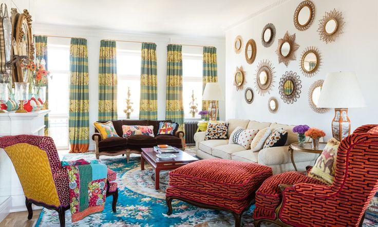 Декоратор Кирилл Истомин оформил квартиру для подруги, с которой знаком с четырех лет. Результат выглядит ярким и жизнерадостным, словно детский рисунок.