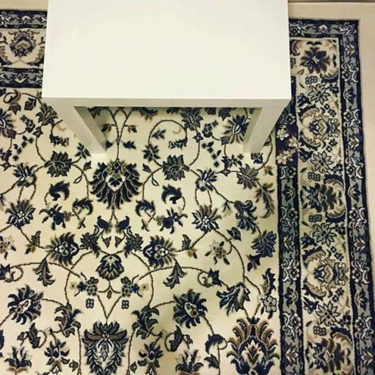 Puedes encontrar el teléfono oculto? Toca la mesa para ver todo el puzzle!