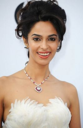 Mallika Sherawat (born Reema Lamba on October 24, 1976) is an Indian actress and a former model. Known for her bold onscreen attitude in such films as Khwahish (2003) and Murder (2004), Sherawat has been frequently featured in the media as a sex symbol. She then appeared in successful romantic comedy Pyaar Ke Side Effects (2006) which won her much critical acclaim.  Let's Check out Mallika Sherwat Biography with Her Beautiful Bikini Photo at Follow the Link…