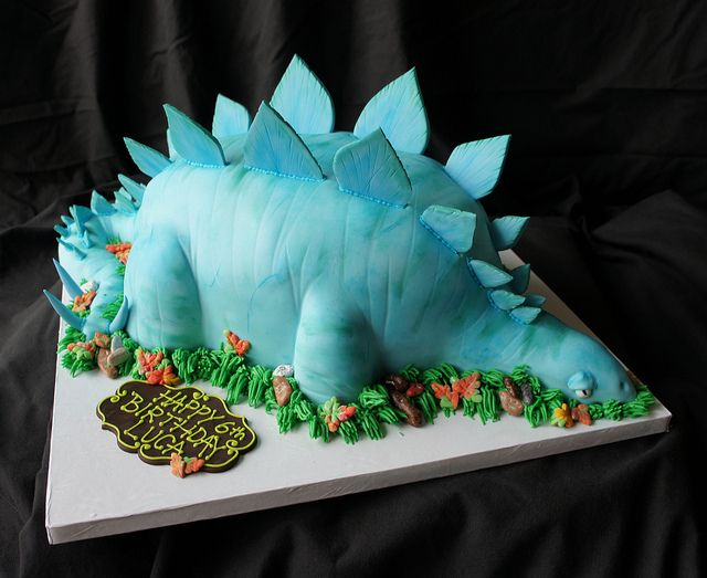 17 Best Images About Stegosaurus Cake On Pinterest