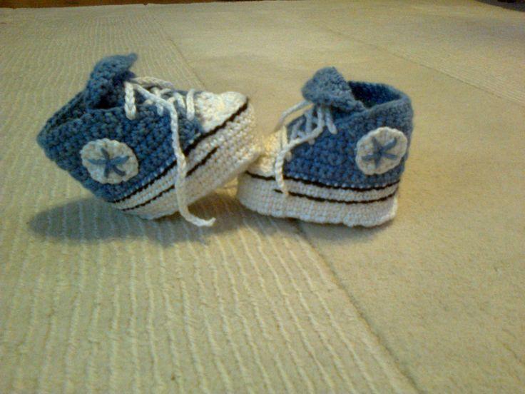 bébi cipő...