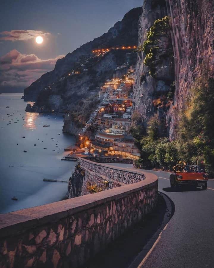 Tour Costiera Amalfitana Cartina.Pin Di Marcia Veronese Su Mare Costiera Amalfitana Mappa Dell Italia Viaggio Avventuroso