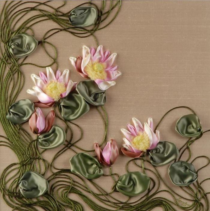 broderie au ruban, motifs floraux inhabituels