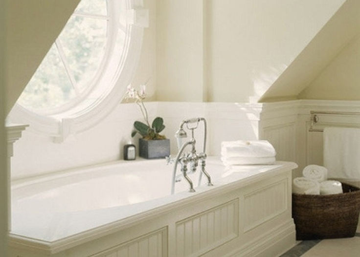 lambris autour de la baignoire salle de bain salle de. Black Bedroom Furniture Sets. Home Design Ideas