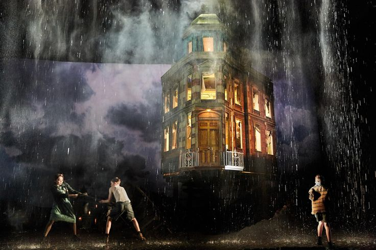 I'm not ashamed to admit it: An Inspector Calls is one of my favourite plays. An always potent blend of fine dramatic craft and good old-fashioned social conscience, JB Priestley's drama is a perennial winner. And what a collaborator Priestley found back in 1992 in Stephen Daldry, whose definitive National Theatre production is revived once more here.