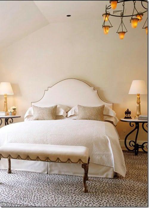 .: Guest Bedrooms, Bedrooms Design, Master Bedrooms, White Bedrooms, Leopards Prints, Guest Rooms, Upholstered Headboards, Bedrooms Decor, Headboards Shape