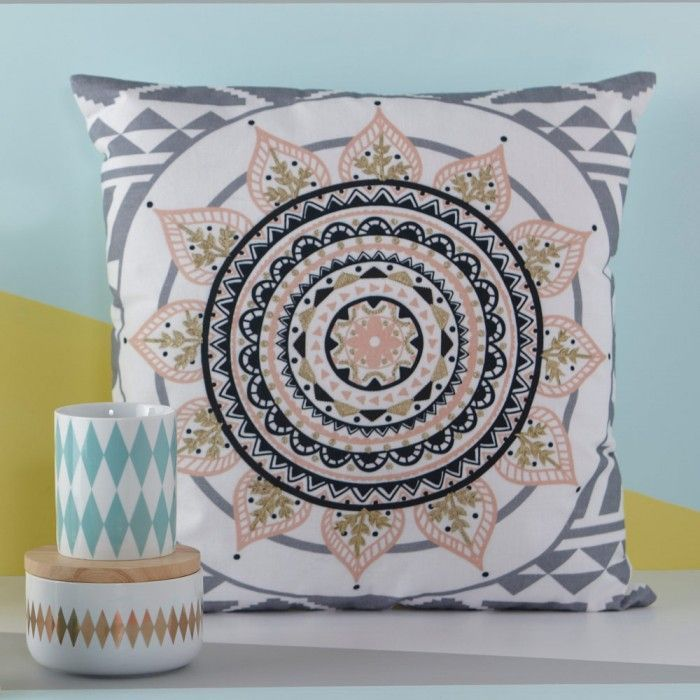 The beautiful and eye catching designs of Mandalas in the home.  #spiritualdesign #lifeinstyle #mandalas