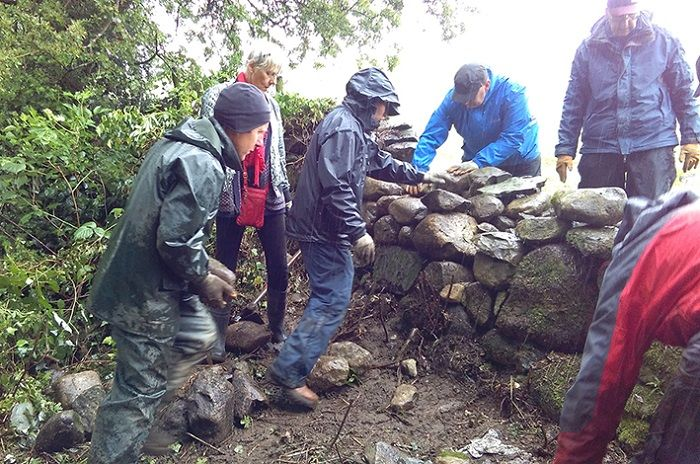 Bad weather fails to dampen Keswick conservation volunteers spirits http://www.cumbriacrack.com/wp-content/uploads/2017/06/PR-339-Walling-in-the-rain-Keswick-Mountain-Fest-Fell-Care-Day.jpg By golly, they needed their brollies, and industrial strength waterproofs, as volunteers at Friends of the Lake District's Keswick Mountain Festival Fell Care Day    http://www.cumbriacrack.com/2017/06/13/bad-weather-fails-dampen-keswick-conservation-volunteers-spirits/