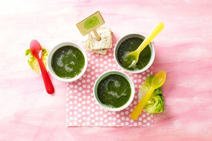Sla als basis voor je soep, klinkt gek maar is ontzettend lekker en dit babyhapje is perfect voor op het zomermenu - Recept -  Allerhande