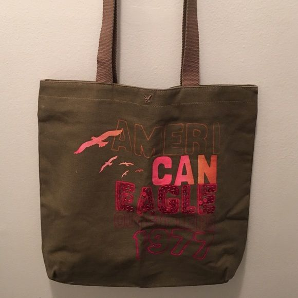 American Eagle Tote Bag This bag was used a handful of times but is in excellent condition! American Eagle Outfitters Bags Totes