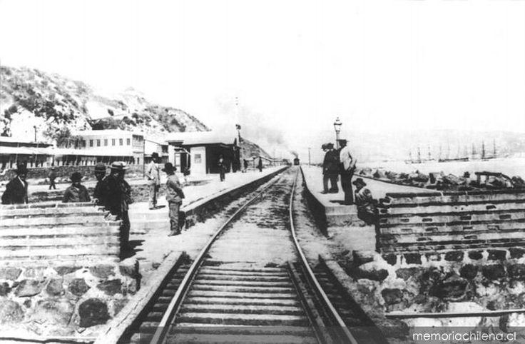 """Estación de Ferrocarriles """"Matadero"""", ubicado entre Valparaíso y Viña del Mar.  A.1900    Fuente:   Memoria Chilena"""