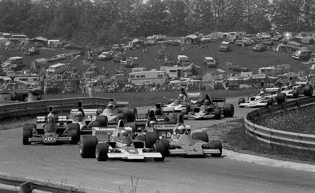 (5) Mario Andretti - Lola T332 [HU29] Chevrolet V8 - Vel's Parnelli Racing Team/Viceroy - (4) Warwick Brown - Talon MR-1A Chevrolet V8 - Pat Burke Racing / McCormack Racing - (10) David Hobbs - Lola T332 [HU30] Chevrolet V8 - Hogan Racing Ltd - Labatt's Blue 5000 - 1975  SCCA/USAC F5000 Championship, round 2