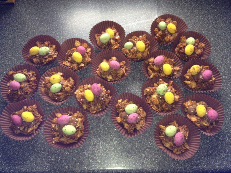 Easter crispy cakes