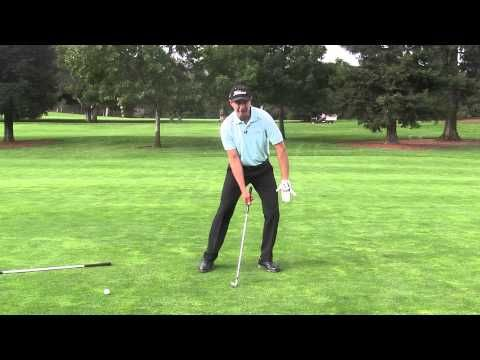 30 second Golf Tip: how the legs move in the golf swing. - YouTube