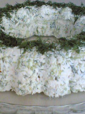 Lorlu salatalıklı meze