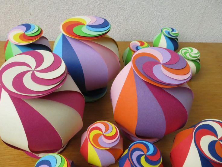 Boules de Noël bonbons! Origami! Patron gratuit et tutoriel vidéo! - Bricolages - Des bricolages géniaux à réaliser avec vos enfants - Trucs et Bricolages - Fallait y penser !