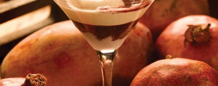 Granaatappeldrank #noblehouse #amanaprana #sap #smoothie #gezond #bio #natuurlijk #granaatappel #drank #yohgurt #mango #kokos #kokosmeel #meel