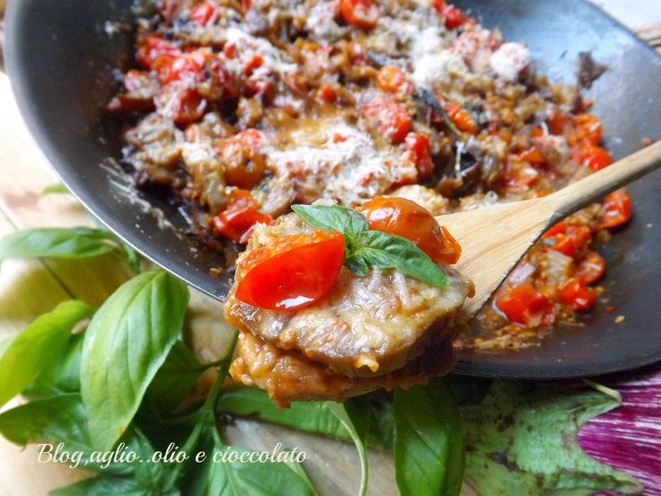 Le Melanzane al Parmigiano,sono un piatto semplicissimo e molto gustoso e si preparano in pochissimi minuti