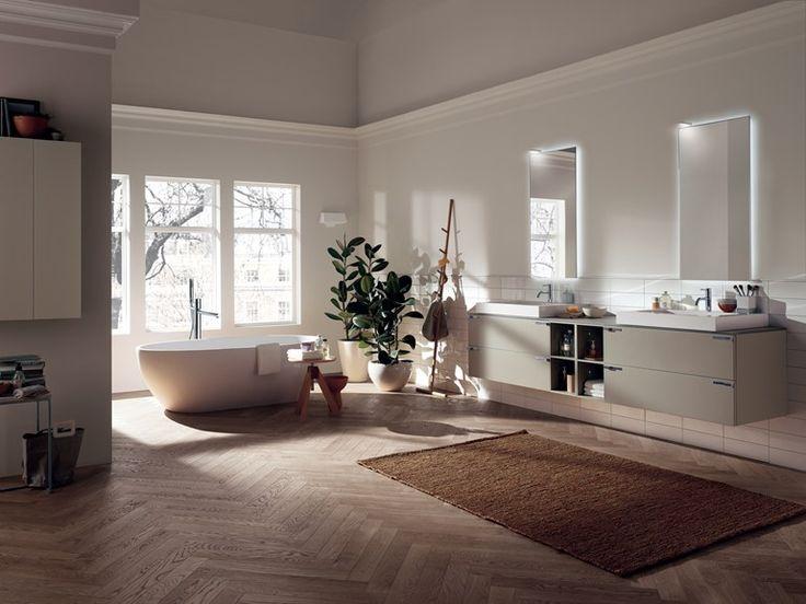 バスルーム家具セット AQUO by Scavolini Bathrooms デザイン: Castiglia Associati
