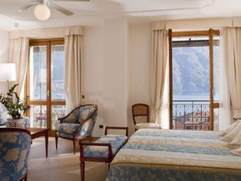 wonderfull room with lake view