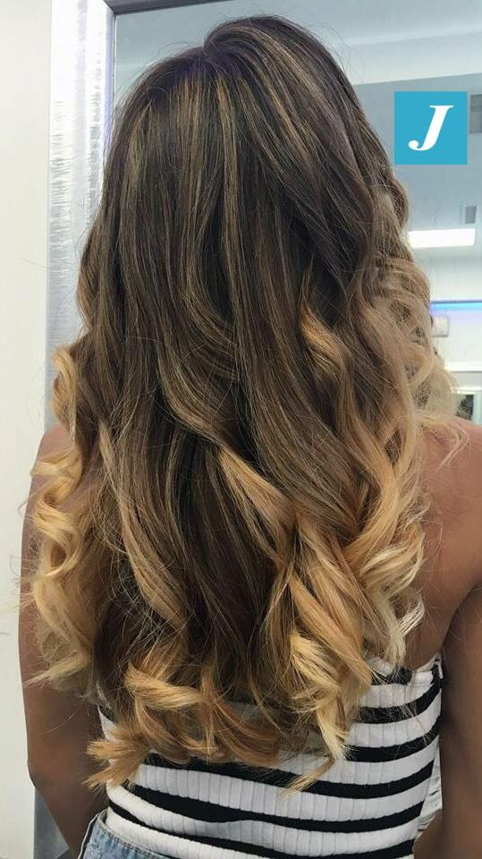 Luce per i tuoi capelli _ Degradé Joelle #cdj #degradejoelle #tagliopuntearia #degradé #igers #musthave #hair #hairstyle #haircolour #longhair #ootd #hairfashion #madeinitaly #wellastudionyc #cdj #degradejoelle #tagliopuntearia #degradé #igers #musthave #hair #hairstyle #haircolour #longhair #ootd #hairfashion #madeinitaly #wellastudionyc