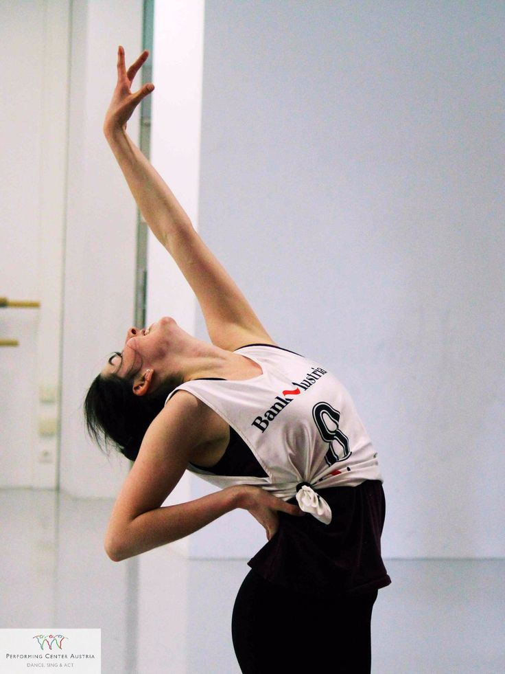 Dance is art!  #dancing #singing #acting #musical #theatre #beautiful #instadaily #grace #dynamic #instagood #audition #aufnahmeprüfung #stage #bühne #webstagram #happy #passion #love #student #fun #energy #artists #instalike #exciting #power #vienna #performingacademy @performingcenteraustria