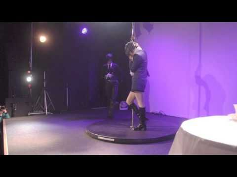 Yamadori&Asami 黒執事ポールダンス(Black Butler poledance) - YouTube