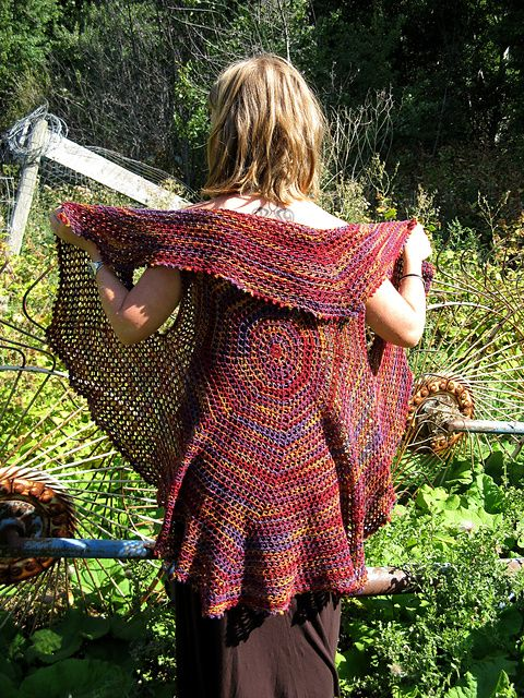 Ravelry: Pasticcio Circular Vest pattern by Shelley Mackie and elann
