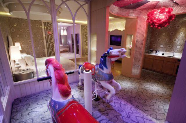 japanese love hotels photo essay