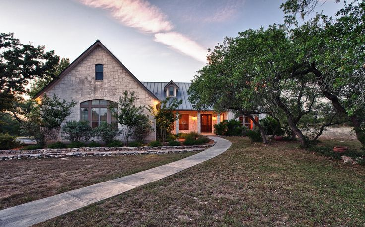 #farmandranchfriday • A Gorgeous Private Estate in Boerne • Listed by Larry Lester http://goo.gl/wsupU2