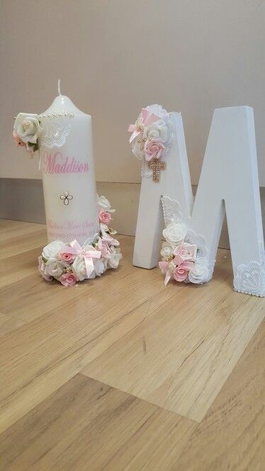 Personalised candle and initial for lolly table