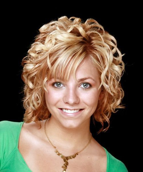 popular hairstyles for curly 25 best ideas about medium curly on 22