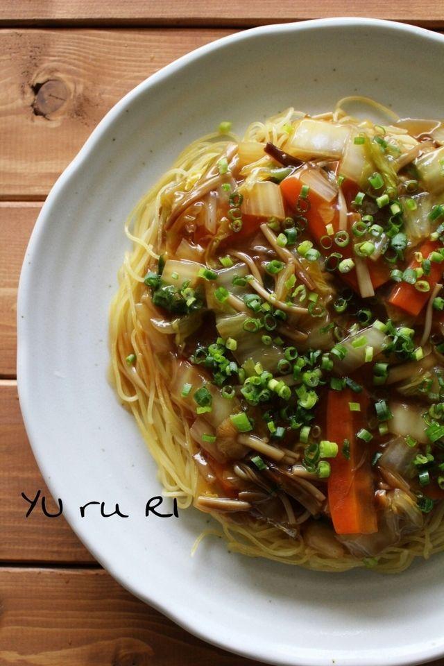 野菜もたくさん食べられる♪「焼きパスタ」アレンジレシピ7選 - macaroni 2、絶品!野菜あんかけ焼きパスタ