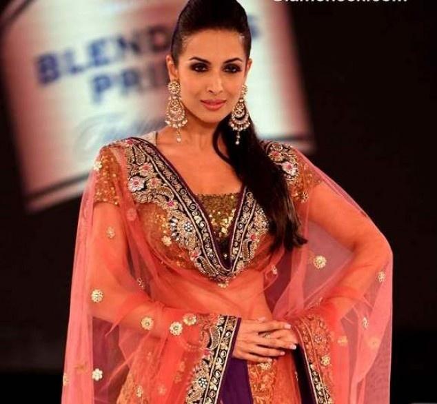 Malaika Arora Showstopper For Vikram Phadnis at Blenders Pride Fashion Tour 2012 | Fandiz India - Latest Indian Fashion Trends