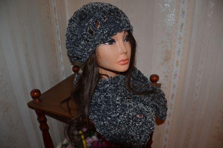sciarpa e berretto in ciniglia realizzato all'uncinetto!