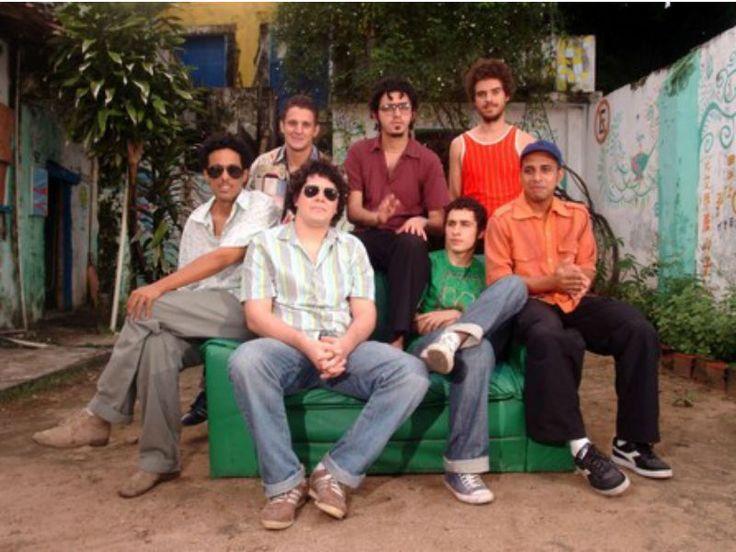 O show tem participação de Felipe Cordeiro e Fabio Trummer.