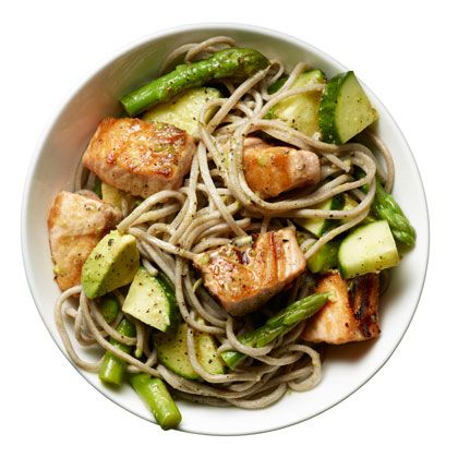 Salmon Noodle Bowl. 492kcal, 22g fat. Whole-wheat spaghetti or buckwheat noodles, asparagus, salmon fillet, toasted sesame oil, limes, cucumber, avocado. Omega-3 helps build more muscle, which burns more calories.